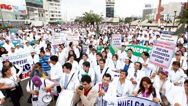 Resultado de imagen para huelga de medicos 2019 peru