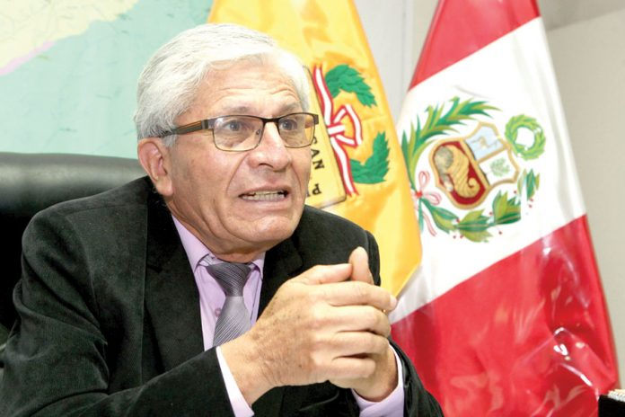 congresista Jorge Casto