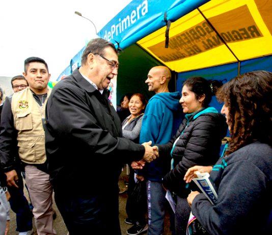 El gobernador regional del Callao, Dante Mandriotti Castro, destacó la importancia de vacunarse, ya que es la mejor medida para proteger a los niños, niñas.