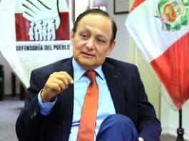 El defensor del Pueblo, Walter Gutiérrez.