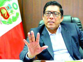 """El ministro Vicente Zeballos consideró que dinero se puede usar como una garantía """"para futuras reparaciones civiles""""."""