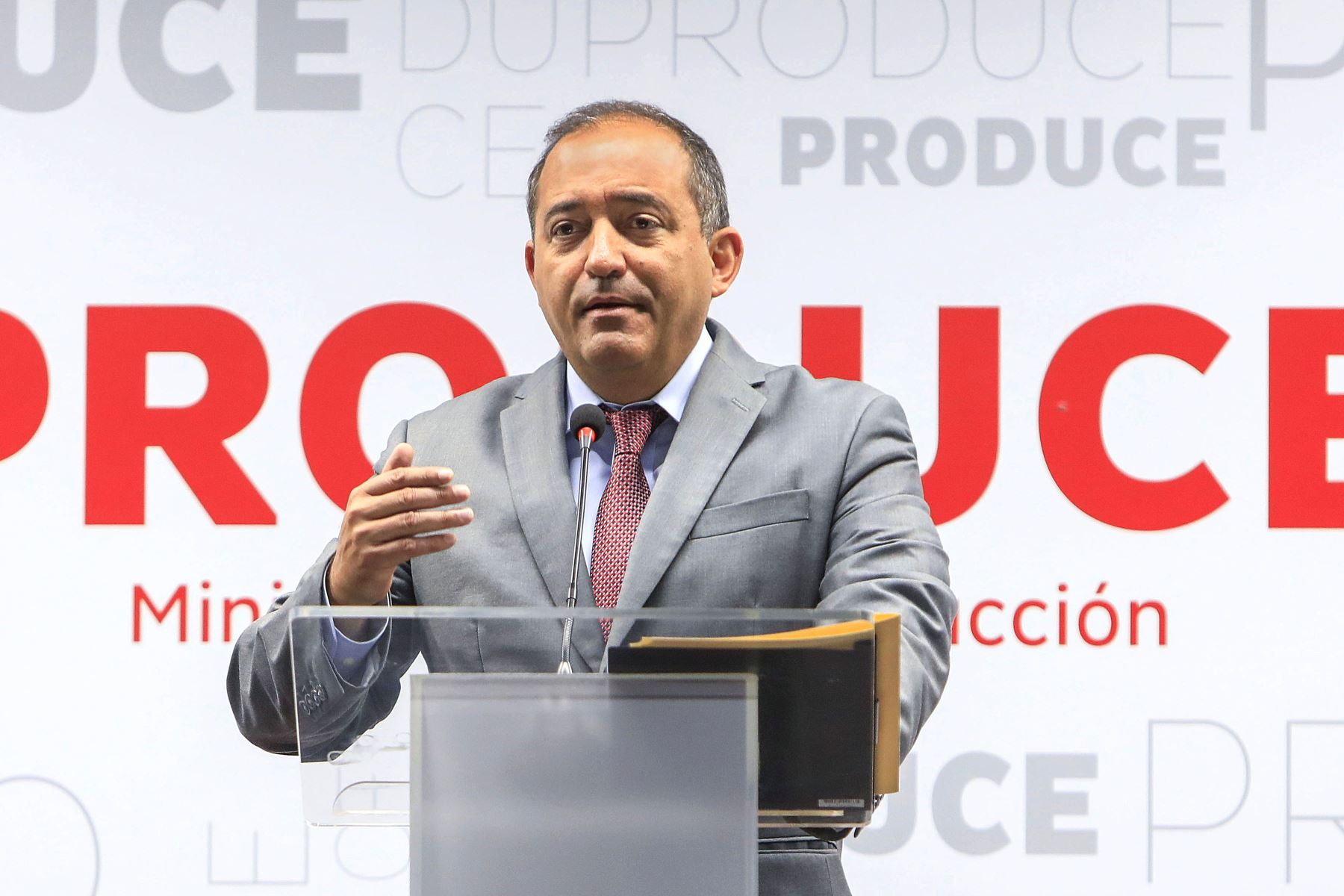Gobierno aceptó renuncia de Daniel Córdova al Ministerio de la Producción