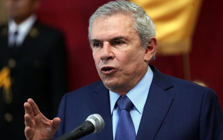 """Luis Castañeda: """"Que en las próximas elecciones se escoja a gente nueva, seria y no palabreros"""""""