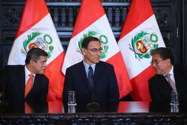 Presidente Martín Vizcarra citó a la bancada Peruanos por el Kambio a una reunión