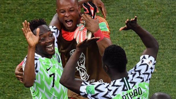 Nigeria derrotó 2-0 a Islandia y le da vida a Argentina por el grupo D del Mundial Rusia 2018