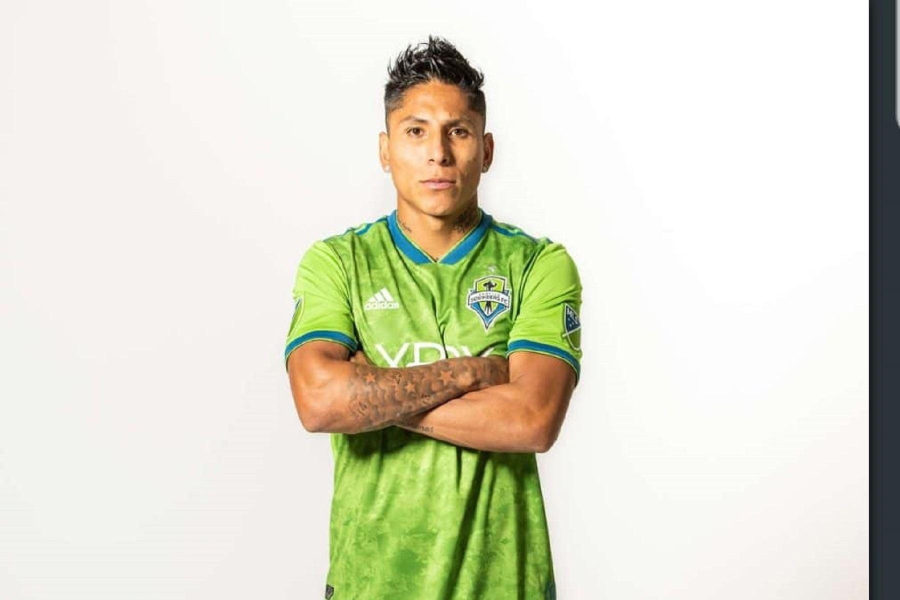Raúl Ruidíaz  ingresó al Seattle Sounders