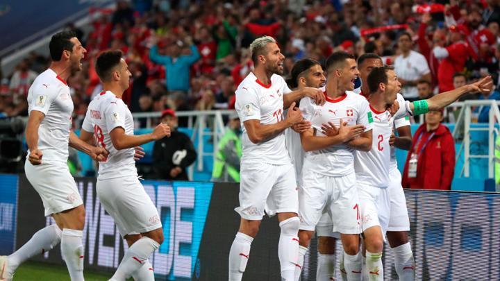 Suiza le volteó el partido por 2-1 a Serbia por el grupo E del Mundial Rusia 2018