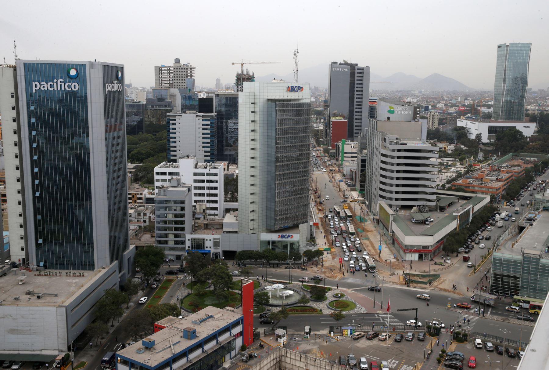Economía mejorará con  avance de reconstrucción  y  las facultades legislativas