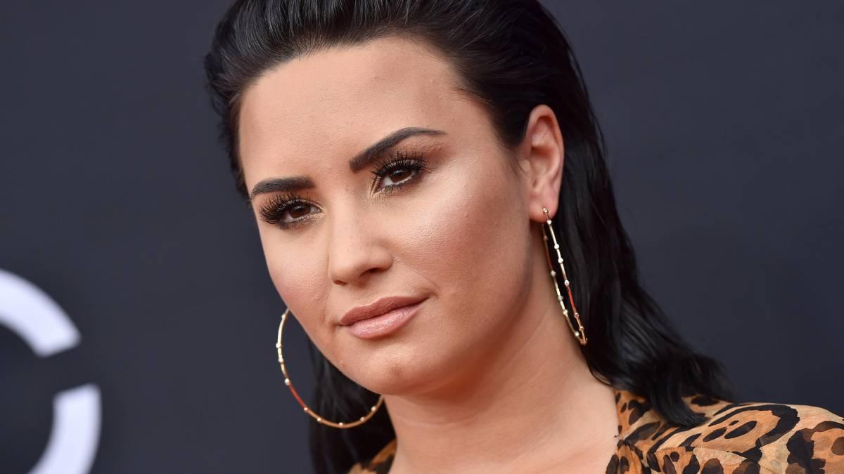 Demi Lovato es respaldada por sus amigos