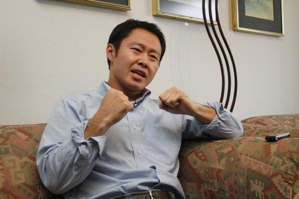 Kenji allana camino para  su candidatura al 2021