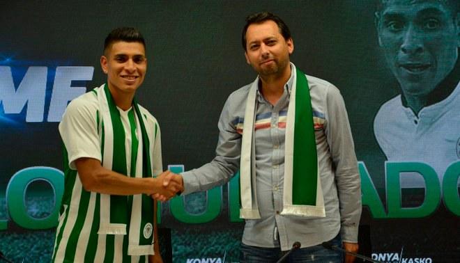 Paolo Hurtado fue oficializado como nuevo jugador del Konyaspor de Turquía