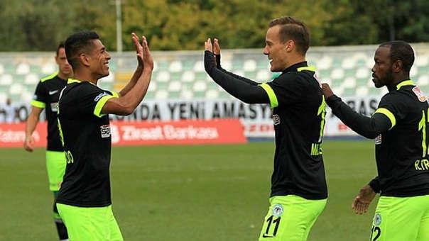 ¡La rompió! : Paolo Hurtado anotó gol y dio dos asistencia en el triunfo del Konyaspor