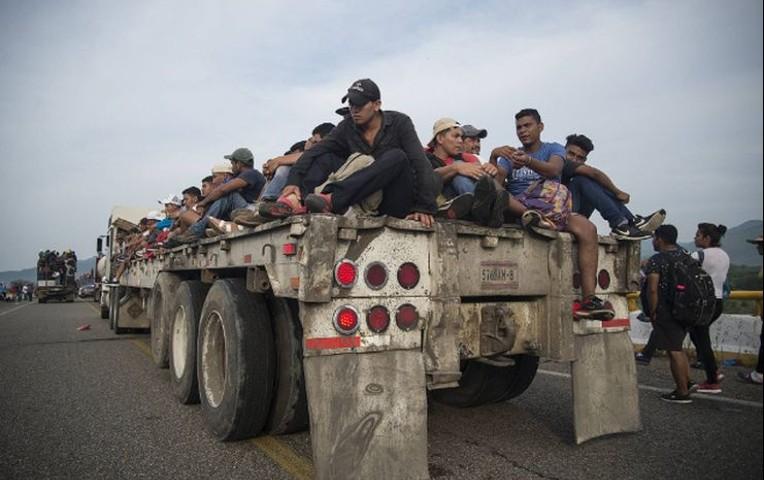 EE.UU. enviará 5,200 soldados a frontera con México por caravana de migrantes