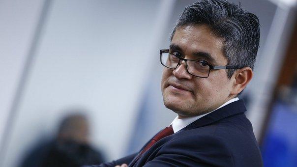 Fiscal Domingo Pérez realiza diligencia en local de Telefónica