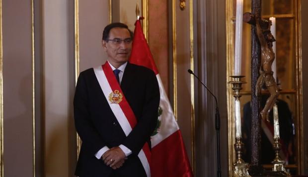 Congresistas critican viaje de Martín Vizcarra a Europa