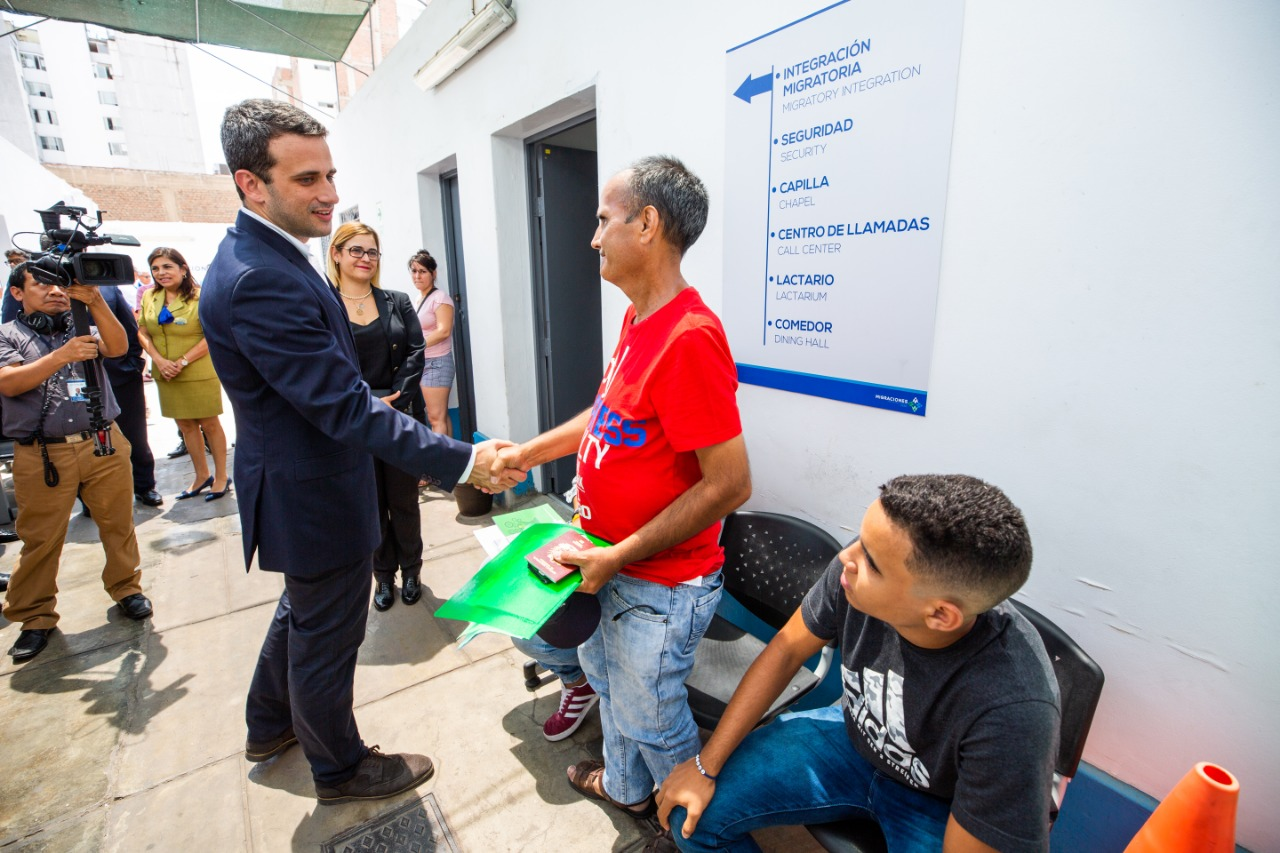 Representante diplomático de Juan Guaidó en Perú visitó a sus compatriotas en MIGRACIONES