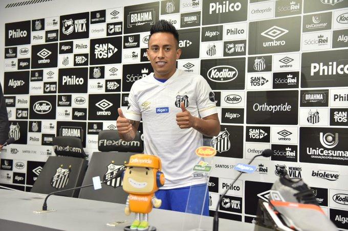 Christian Cueva fue presentado oficialmente como jugador de Santos FC