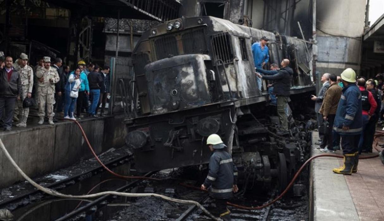 (Galería) Al menos 20 muertos en un accidente en estación de El Cairo