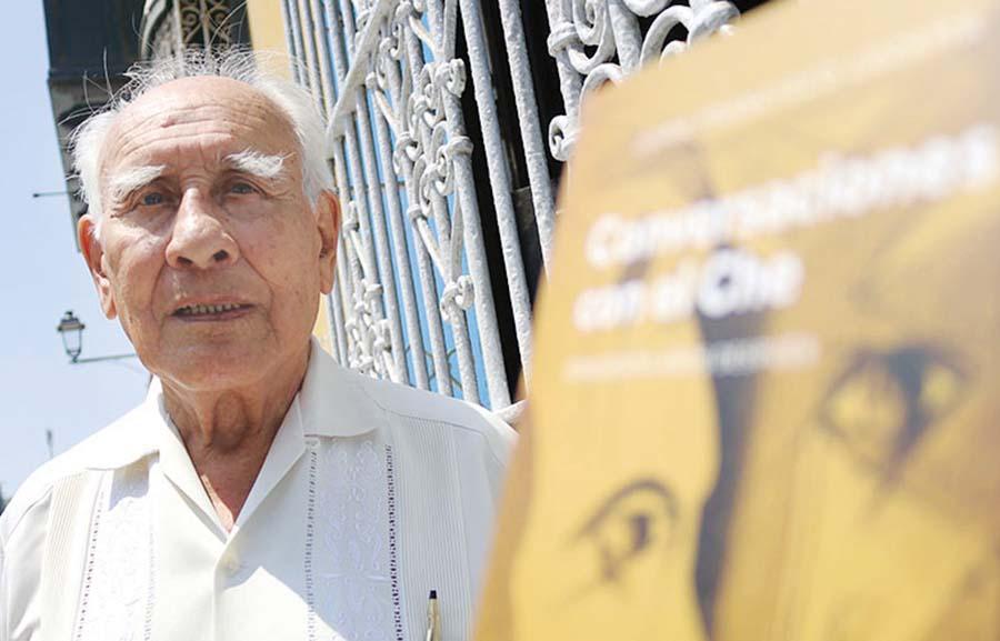 Reconocido escritor Francisco Lezama Tirado