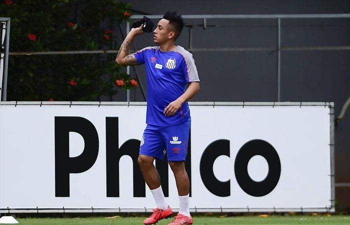 Christian Cueva llegó tarde a los entrenamientos y no fue convocado para partido de Santos