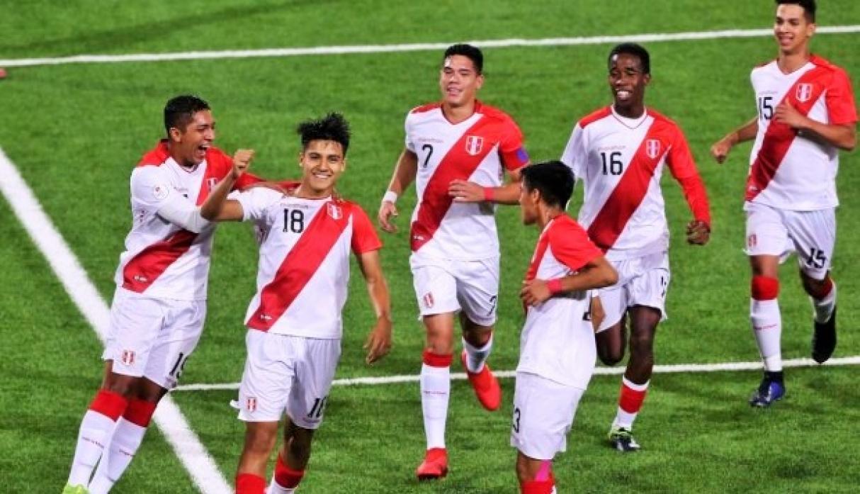Perú buscará hoy la victoria ante Paraguay