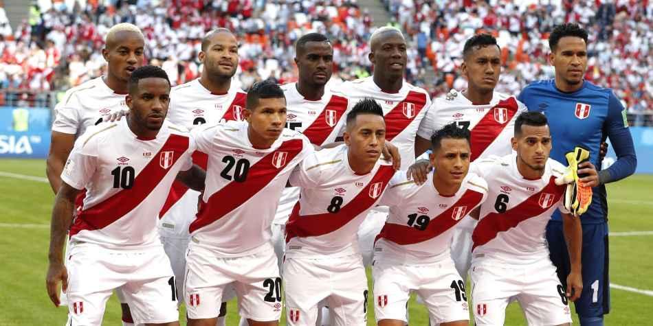 La selección peruana cayó un puesto en clasificación FIFA
