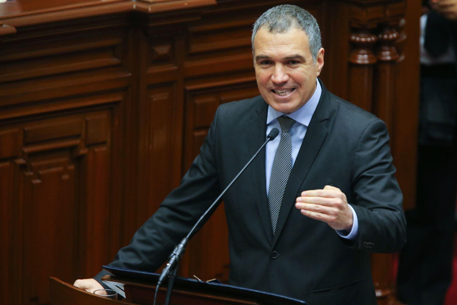Salvador Del Solar garantiza reforma política y gobernabilidad