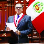 """""""No nos dejemos apabullar por quienes piden el cambio de la Constitución"""", aseveró Pedro Olaechea en su primer discurso."""