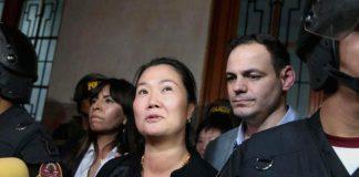 la lideresa de Fuerza Popular, Keiko Fujimori, quien pretende revocar la prisión preventiva por 36 meses que le dictó el Poder Judicial. Su abogado Giulliana Loza informó que la audiencia se realizará a las 8:30 de la mañana.