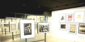 Lima Centro en 1965, muestra que reunió alrededor de 100 trabajos elaborados con diversas técnicas de grabado y ejecutados por notables artistas como José Sabogal, Carlos Bernasconi, Julia Codesido, Eduardo Moll, Camilo Blas, Julio Camino Sánchez.