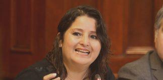 """Parlamentaria Tamar Arimborgo, pero no juergueando sino leyendo todo lo que pueda sobre la """"ideología de género"""""""