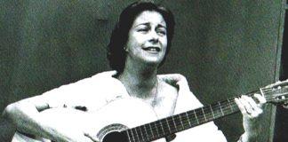 """María Isabel Granda Larco, conocida como Chabuca Granda, nació el 3 de setiembre de 1920 en Cotabambas, Apurimac.Compositora de Valses Criollos, alcanzó fama Internacional con """"La Flor de la Canela""""."""