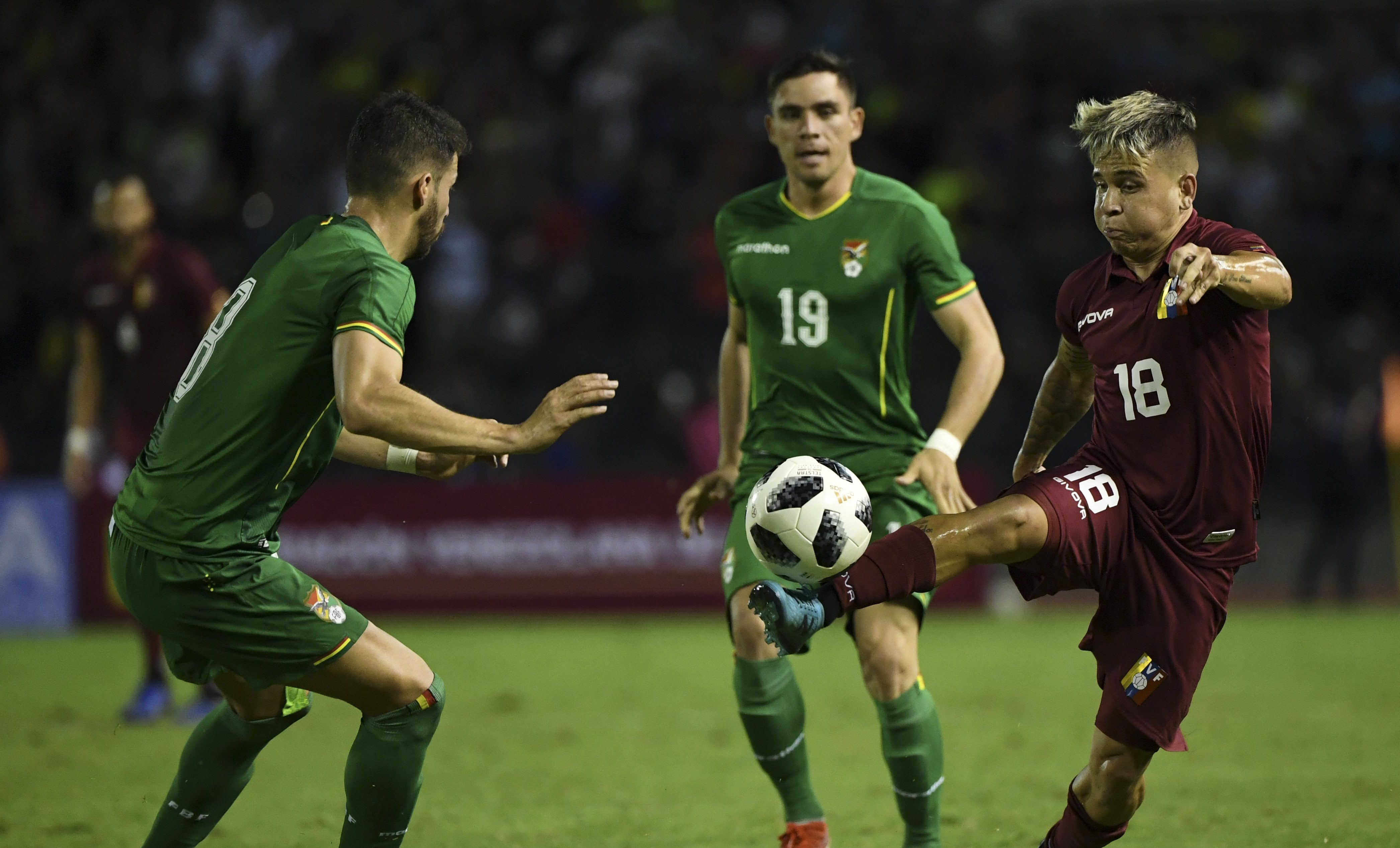 Venezuela goleó 4-1 a Bolivia en amistoso FIFA
