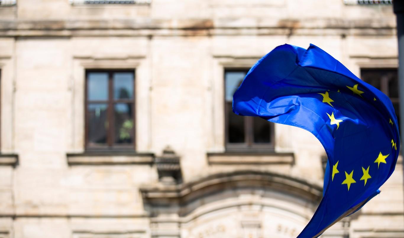 Guerra de aranceles se extiende contra la UE