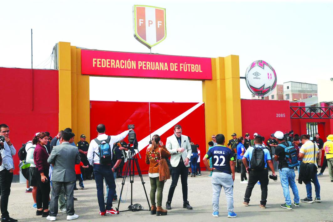 FPF sanciona a clubes de la Liga 1