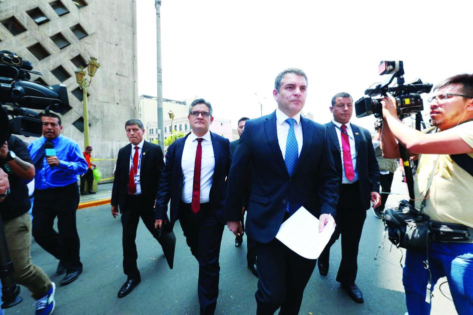 Citan a fiscales Vela y Domingo Pérez por caso contra Chávarry
