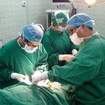 Aumentan sueldo a 137 mil médicos y técnicos en salud