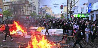 Chile: Sigue violencia, saqueos, y suben a 11 los muertos