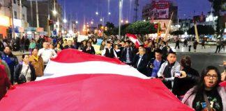 Marchan por las calles por cierre del Legislativo