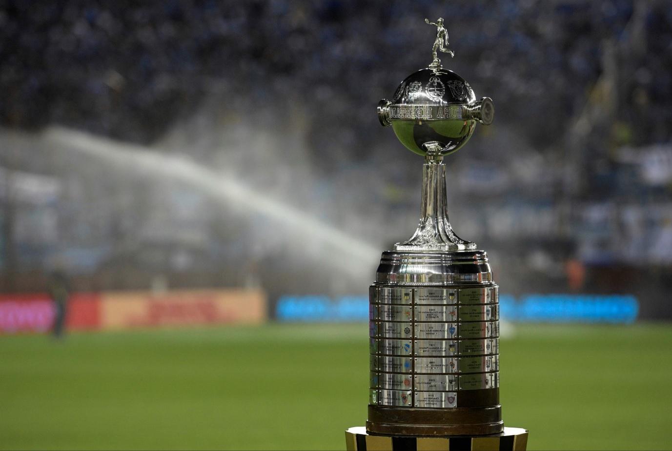 Conmebol reafirma final de Libertadores a pesar de protestas