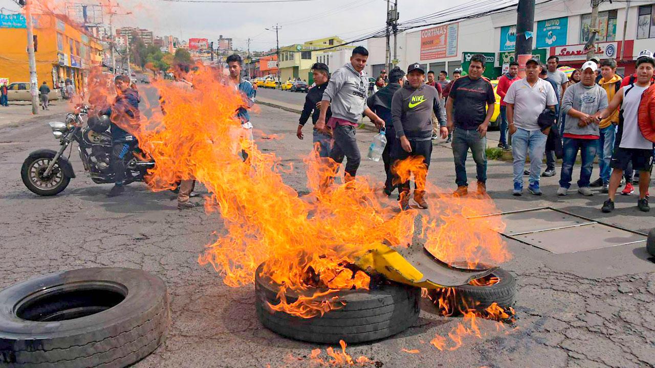 Ecuador paralizado por huelga total del transporte