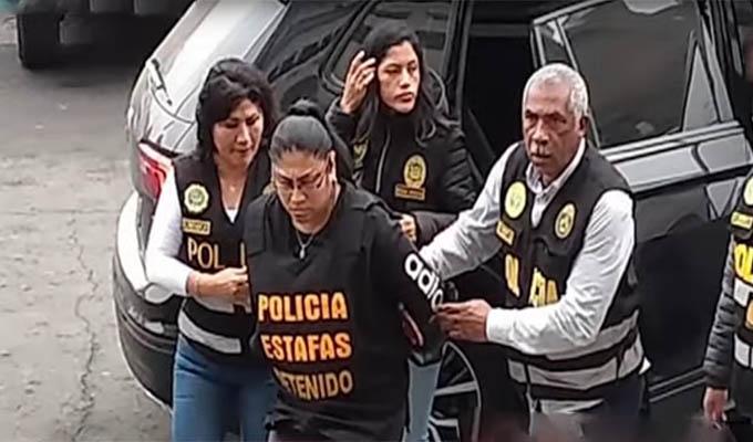 """Cae mujer que estafaba con """"venta"""" de celulares"""