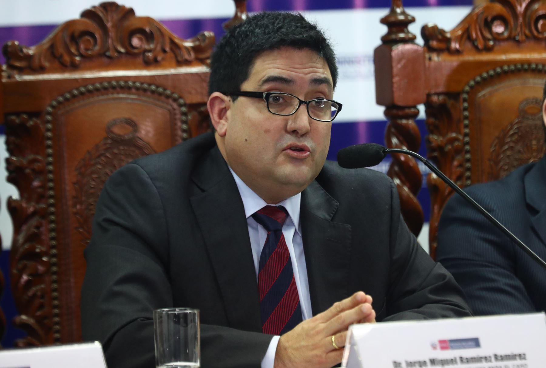 Procurador Jorge Ramírez participa en arbitraje en EEUU