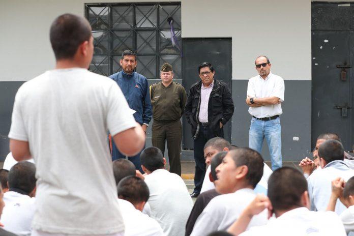 Vicente Zeballos superviso tratamiento de menores infractores en Centro Juvenil de Lima