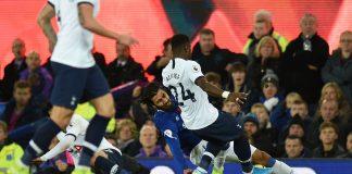 Gomes de Everton sufre lesión en empate 1-1 ante Tottenham