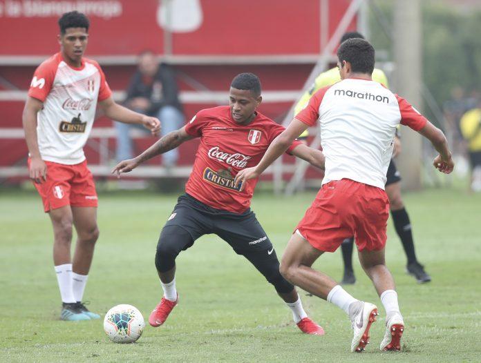 La selección peruana se afina para enfrentar a Chile y Colombia