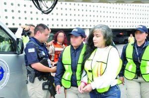 """""""La Reina del Pacífico"""" captada durante su extradición a los EE.UU en 2012"""
