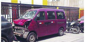 Mujer pierde la vida en un violento choque en Surco
