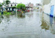 200 familias afectadas por desborde de canal