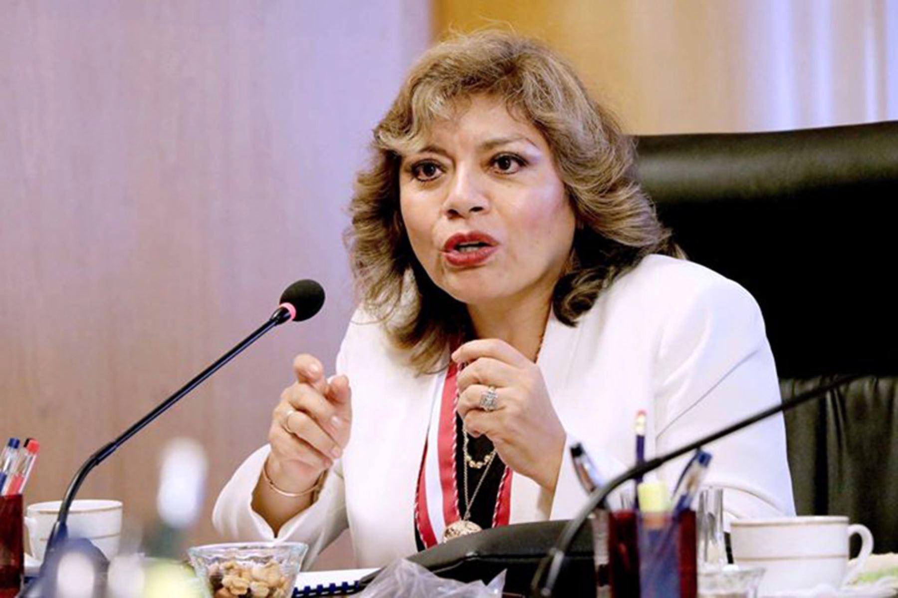 Fiscalía de la Nación presentó proyecto contra acaparamiento y especulación